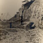 Fotografia przedstawia zakład wydobywczy.